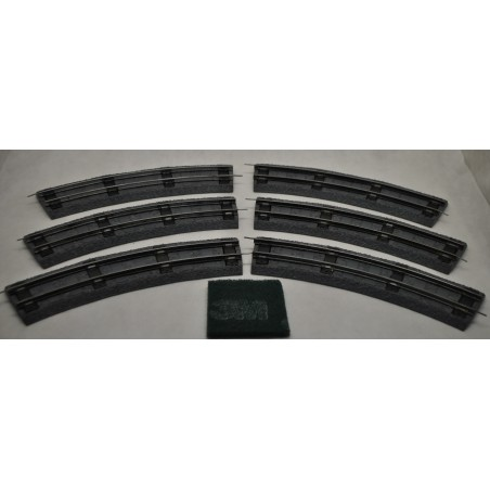 Six Grey American Flyer No. 727 Curved  Wide Tie Rubber RoadBed